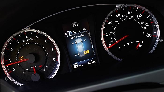 2017 Toyota Camry XSE Interior Instrument Panel